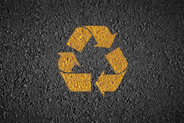 Symbol für Straßenbau mit nachhaltigen Baumaterialien